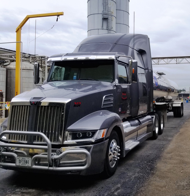 Niece Trucking – Central Iowa trucking and logistics